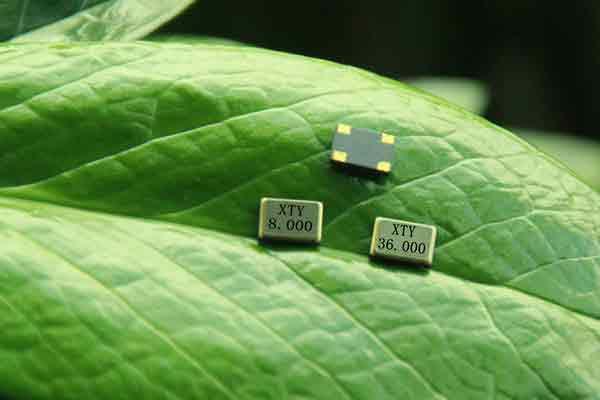 我们有一个优秀的团队,2004年率先解决柱晶频率不稳定、不抗跌落、不耐高温等 难题,成为同行业中佼佼者!专业供应石英晶振、安防晶振、贴片晶振、时钟晶振、温补晶振、有源晶振、无源晶振、石英晶体振荡器、石英晶体谐振器,欢迎垂询:4000555351